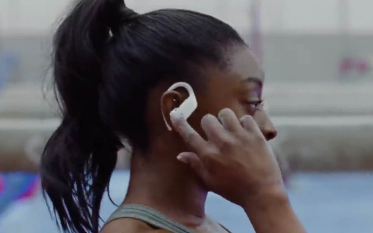 Create A Stabilization Effect Like The Beats By Dre Commercial